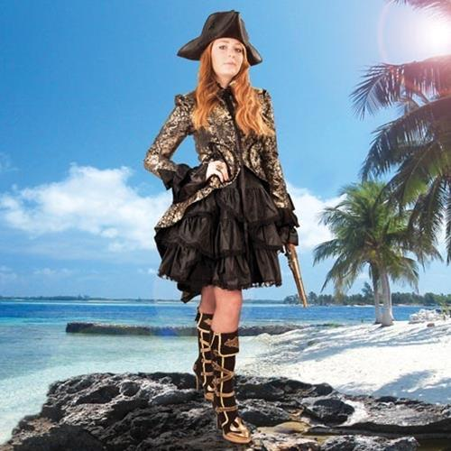 Pirate Costumes: Fashion on high seas